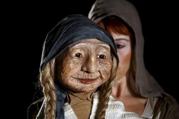 Nora Jonquet et sa marionnette, Abuela